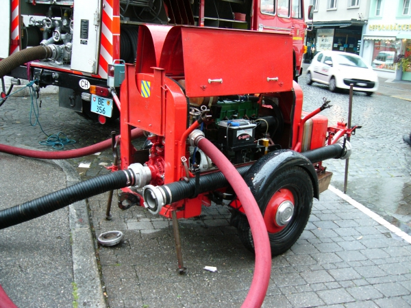 Die alte Pumpe lärmt und stinkt, aber sie funktioniert noch!