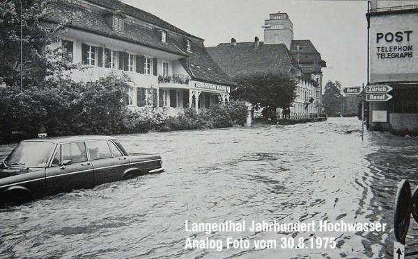fliesst weiter Richtung Bahnhof (Quelle: ©  occaphot.ch 1975)